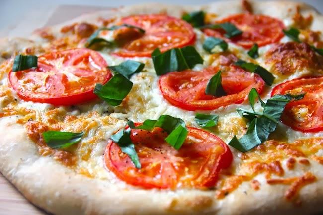 Tomato Basil Margherita Pizza