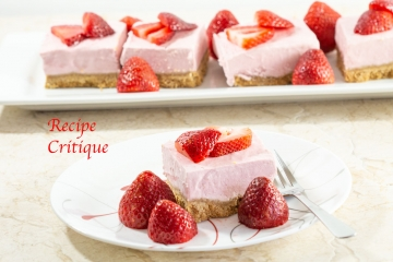 www.recipecritique.com/strawberry banana cheesecake bars