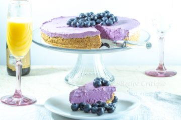 www.recipecritique.com Easy No Bake Blueberry Cheesecake